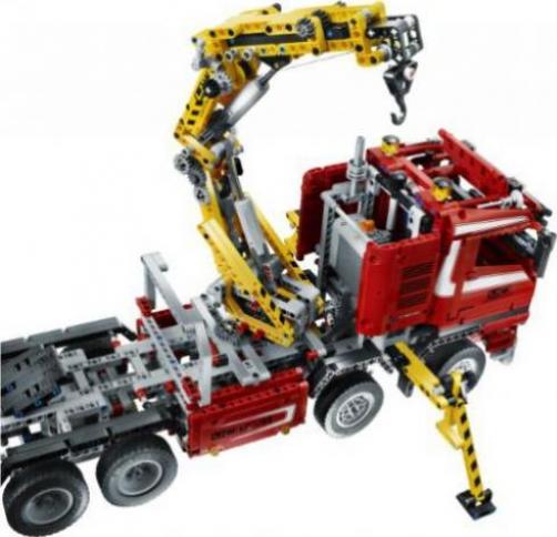 lego technic lastwagen truck mit power schwenkkran. Black Bedroom Furniture Sets. Home Design Ideas
