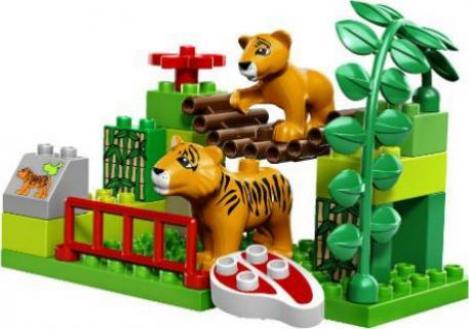lego duplo zoo zoo set deluxe g nstig kaufen preisvergleich test. Black Bedroom Furniture Sets. Home Design Ideas